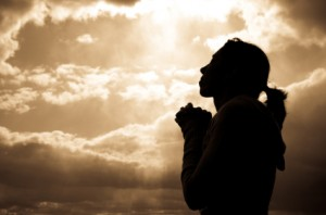 woman-praying-silhoutte1-300x198