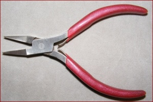 flat nose pliers, jewelry making, o ring, jump ring, making jewelry