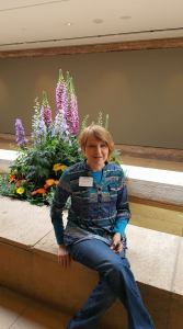 woman, seminar, Chicago Botanical Gardens, flowers, planter, Designs for Healing, sitting